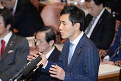 質問する矢倉氏=20日 参院予算委