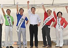 支援を訴える山口代表と山根、田川、ただの、小島の4候補=2日 福島・郡山市
