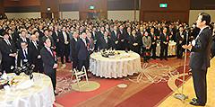 党埼玉県本部の新春賀詞交歓会であいさつする山口代表=26日 さいたま市