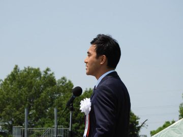 27日、大宮駐屯地の61周年記念式典に参加。