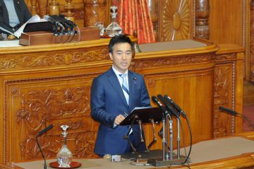 本会議にて日米貿易協定などを総理はじめ閣僚に質問