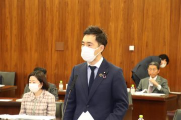 内閣・厚労委員会連合審査会にて質問